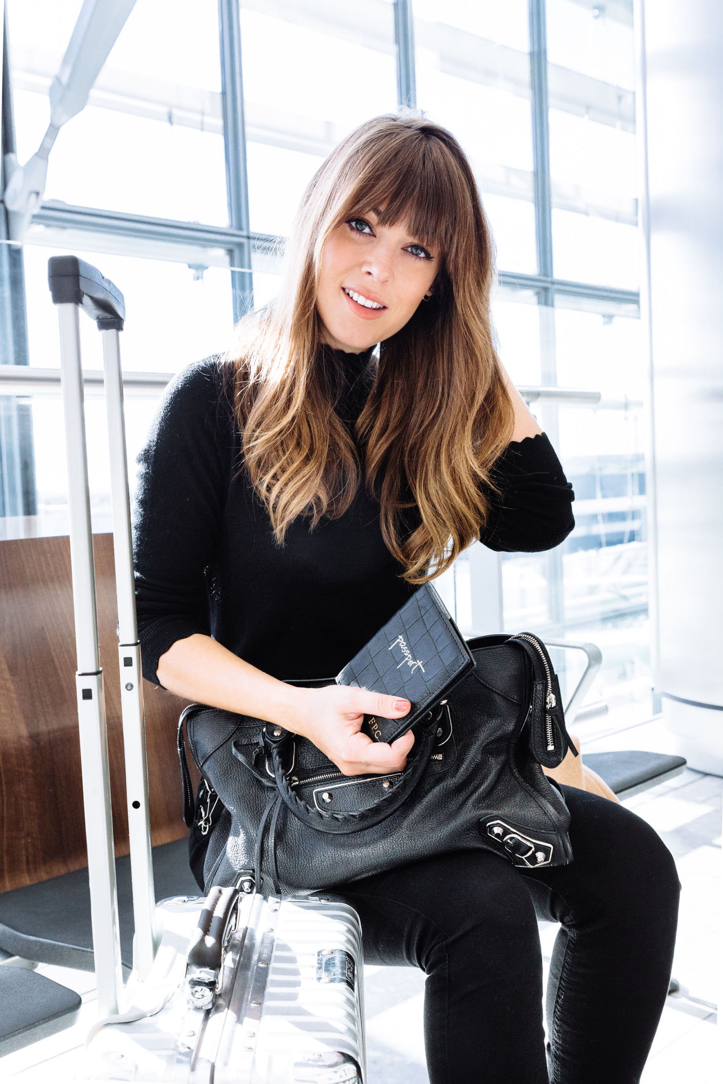 travel-outfit-inspiration-black